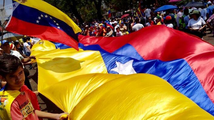 I sostenitori di Maduro partecipano alla manifestazione annuale della Festa dei lavoratori.
