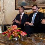 """Mattarella dà tempo ai partiti fino a martedì. Da assemblea M5s l'ok a trattare con il Pd. Di Maio: """"Dieci punti per nuovo governo"""". Zingaretti: """"Quadro su cui si può lavorare"""""""