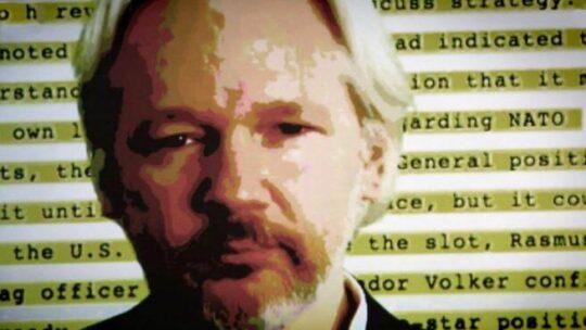 La decisione di un giudice americano potrebbe compromettere l'estradizione di Assange negli USA