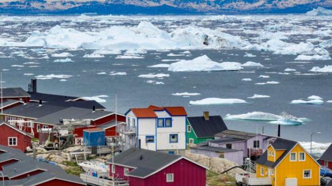 """""""È la prova finale che è pazzo!"""": i politici danesi rispondono a Trump che vuole comprare la Groenlandia:""""Non è in vendita!"""""""