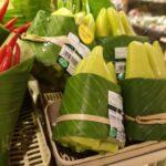 Supermercato thailandese usa come confezioni le foglie di banano per evitare la plastica
