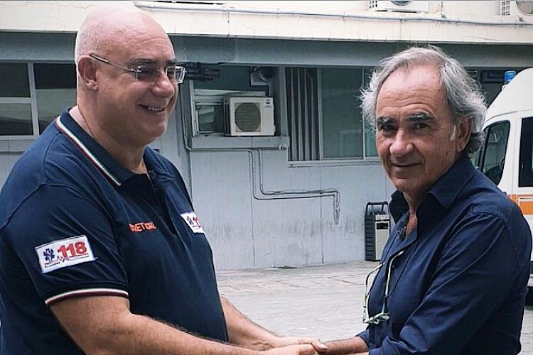 Taranto, arresto cardiaco nell'ora di ginnastica. Prof salva 17enne