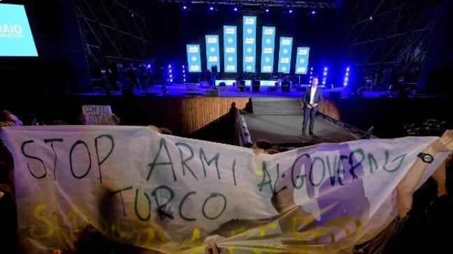 L'Italia chiede all'Unione europea di bloccare la vendita di armi alla Turchia