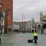 Venezia, la marea si ferma a 154 cm. Chiusa Piazza San Marco
