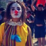 """Daniela Carrasco, i dubbi sulla morte del volto delle proteste in Cile: """"El Mimo catturata dalle forze militari, torturata e impiccata"""""""