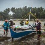 Un tifone si abbatte sulle Filippine, almeno 16 morti. Venti a 195 km orari su villaggi turistici