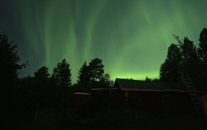 È sera quando i resindenti nel territorio dell'Altaj hanno visto un lampo blu che ha illuminato tutto il cielo