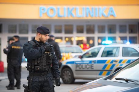 Repubblica Ceca: sparatoria in ospedale, 6 morti