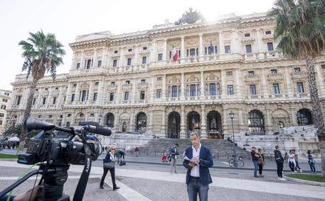 Riforme: mancano firme, slitta deposito referendum contro taglio parlamentari