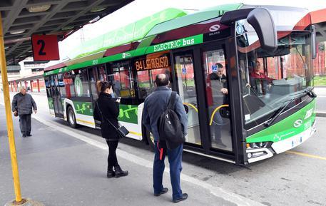 Milano: Sala, entro 2030 stop fumo all'aperto