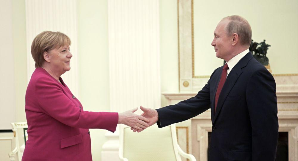 Putin sicuro, importante porre fine al confronto militare in Libia