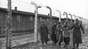 75 anni dopo, i sopravvissuti al campo di sterminio ricordano la liberazione dell'Armata Rossa di Auschwitz