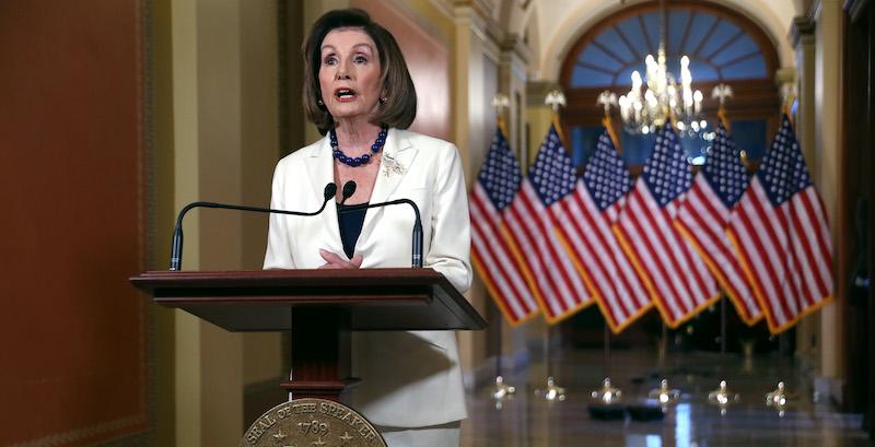 """L'attacco è stato effettuato senza """"autorizzazione all'uso della forza militare"""" contro l'Iran da parte del congresso ricorda la speaker della Camera dei rappresentanti Nancy Pelosi. Altro che democrazia…"""