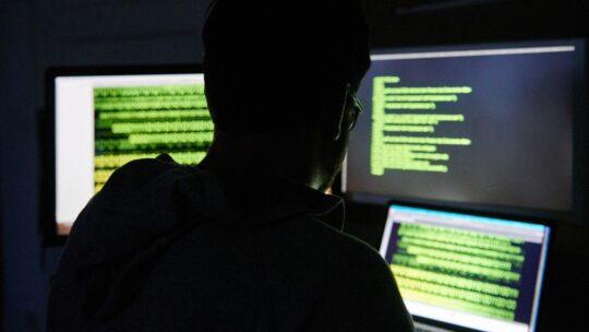 La CIA ha spiato per almeno 54 anni la corrispondenza militare e diplomatica segreta di oltre 120 paesi