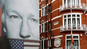 """Washington ha pianificato di """"rapire"""" o """"avvelenare"""" Assange quando era nell'ambasciata dell'Ecuador a Londra. La denuncia del legale"""