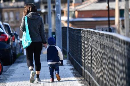 Viminale precisa: sì alla camminata genitore-figli. Jogging ammesso