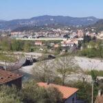 Crolla il ponte di Caprigliola tra La Spezia e Massa: un ferito. Spezzato in due un gasdotto,bloccata fuoriuscita