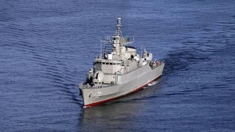 Le navi da guerra statunitensi verranno distrutte qualora dovessero minacciare navi iraniane – il capo delle guardie rivoluzionarie