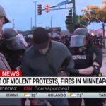 Minneapolis, arrestato in diretta giornalista della Cnn