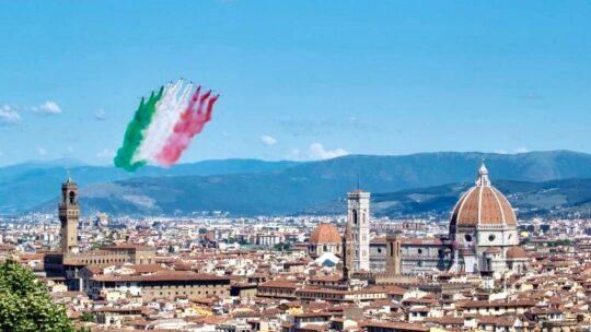 Il passaggio delle Frecce Tricolori nei cieli d'Italia