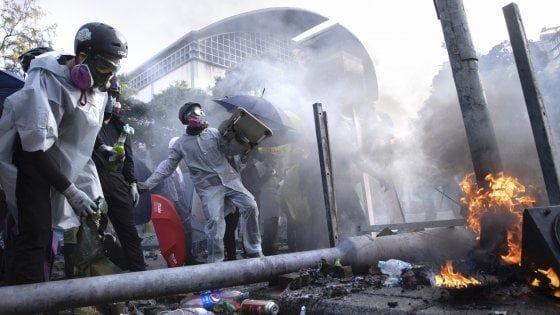 """Cara Repubblica, ma perché a Minneapolis sono """"saccheggi"""" e a Hong Kong no?"""