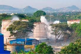 Disastro ambientale in corso in India: fuga di gas da impianto chimico, morti e feriti