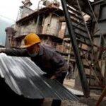 Istat, Produzione industriale italiana crolla del 28% a marzo (più del previsto)