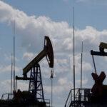 L'OPEC + decide di mantenere tagli alla produzione di petrolio fino a luglio