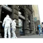 Colpo in banca con mascherine e guanti a Milano