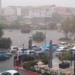 Bomba d'acqua a Palermo, due vittime in un'auto. Due bimbi ricoverati per ipotermia