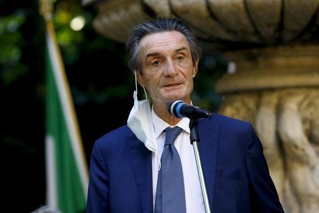 Camici in Lombardia, indagato il governatore Fontana