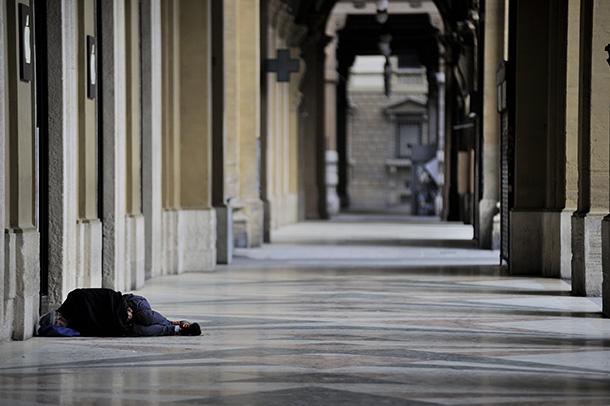 Come mai sono previste mediamente più morti per fame che per virus a seguito delle misure introdotte contro la pandemia? Scopriamo il rapporto di Oxfam