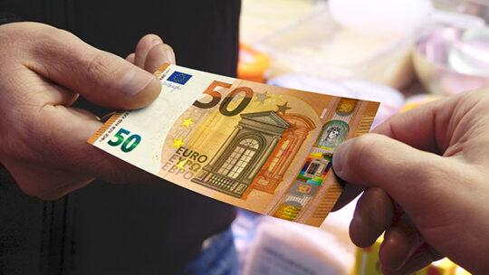 """L'allarme della Caritas Bari: """"Dai clan prestiti ai bisognosi"""""""