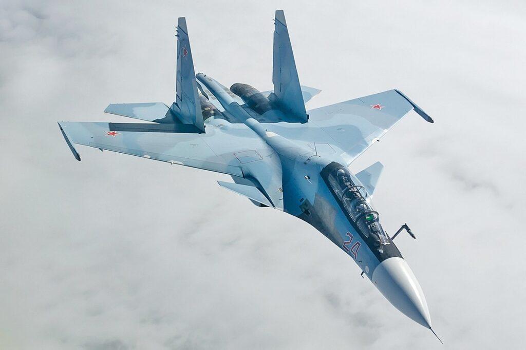 Aerei spia americani e svedesi vicino ai confini della Russia (Video)