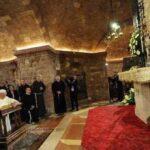 """Neo-liberismo e """"guerre giuste"""". Il capolavoro politico di Papa Francesco"""
