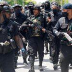 Usa: donne e uomini di colore armati protestano (GUARDA IL VIDEO)