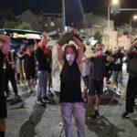 """Israele: polizia """"impegnata"""" in una rissa con i manifestanti (video)"""