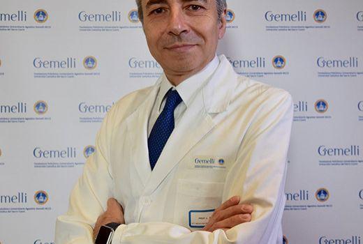 """Covid. CTS, l'allarme di Richeldi: """"Troppi casi non gravi"""" curati in ospedale"""