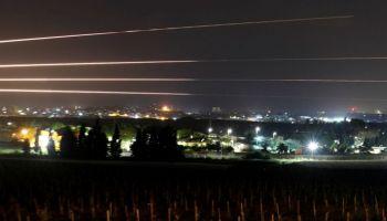 Le bombe natalizie di Israele. Dopo la Siria, colpita Gaza, 2 feriti e danni ad un ospedale pediatrico