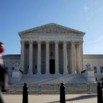 Diciassette stati degli Usa hanno ufficialmente appoggiato la denuncia del Texas alla Corte Suprema degli Stati Uniti