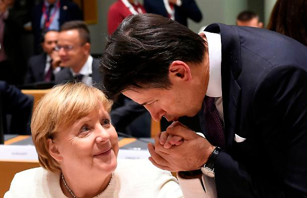 MES: L'Italia consegnata alla speculazione finanziaria