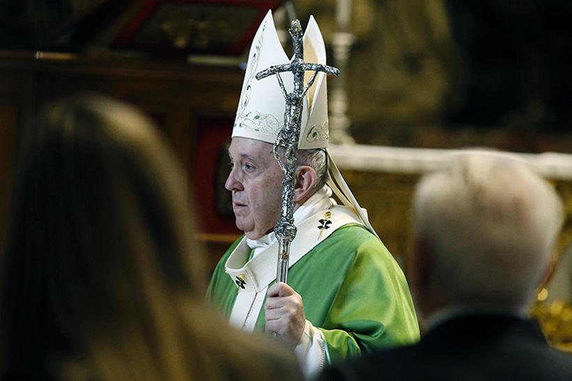 Vaticano: diventa legge il trasferimento fondi Segreteria di Stato