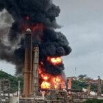 Durban, Sud Africa: esplosione in una raffineria di petrolio (video)