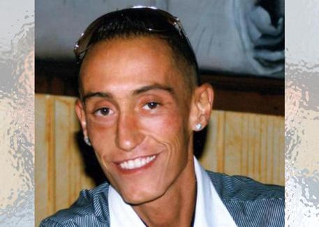 Cucchi: il pg chiede condanne a 13 anni per i due carabinieri