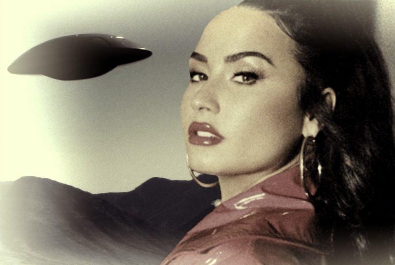 """Demi Lovato filma due UFO in cielo: """"Stanno arrivando"""""""