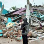 Almeno 26 morti dopo che un terremoto di magnitudo 6,2 ha colpito l'Indonesia