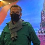 Navalny arrestato al suo rientro a Mosca. L'accusa è di aver violato i termini della libertà vigilata