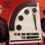 Doomsday Clock, anche nel 2021 siamo a 100 secondi all'Apocalisse, secondo l'orologio fondato da Einstein