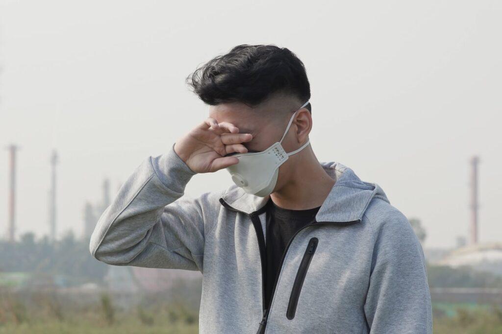 Inquinamento atmosferico, per la prima volta associato alla perdita progressiva e irreversibile della vista