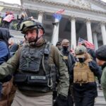 """Sorpresa? Un """"capo sezione per l'FBI"""" tra gli assalitori di Capitol Hill del 6 gennaio"""